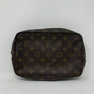 Louis Vuitton Trousse 23